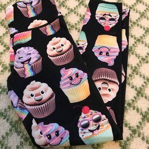 KIDS Justice cupcake emoji legging, size 8